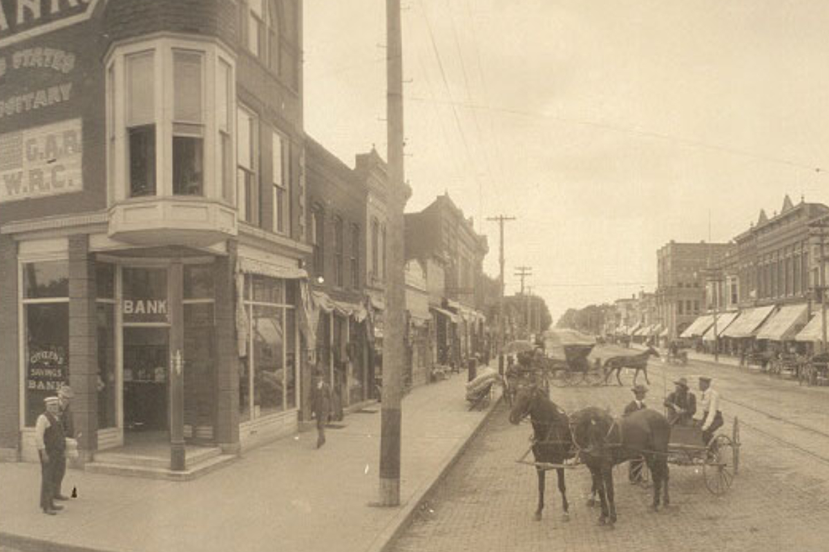 Image of Ancient View of Downtown Historic District - Cedarfalls.